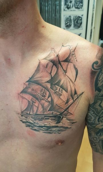 just finished the whites on this ship, the rest is healed tho:) I think it needs background but matt's happy with it as is. Cheers for looking -robb: Swipe To View More Images